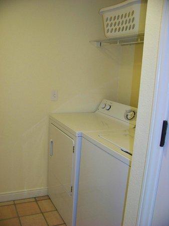 Disney's Old Key West Resort : Laundry room