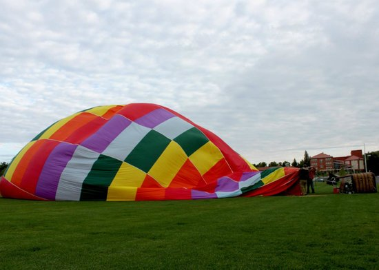 Nostalgia Ballooning LTD: Filling up balloon