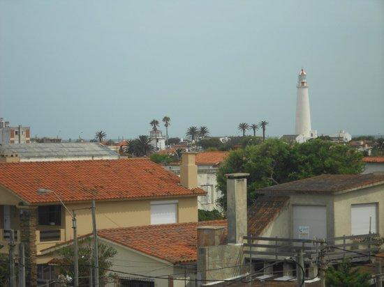 Hostel La Cruz del Sur: Visão lateral do quarto. Detalhe para o farol.
