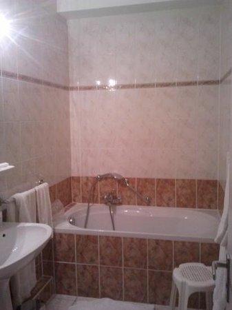 Hotel des Princes: Bathroom