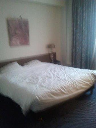 Hotel des Princes: Large Bed