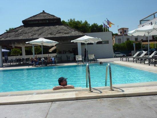 Hotel Els Arenals: Решили все-таки напоследок посетить бассейн (море-то в 100 метрах)