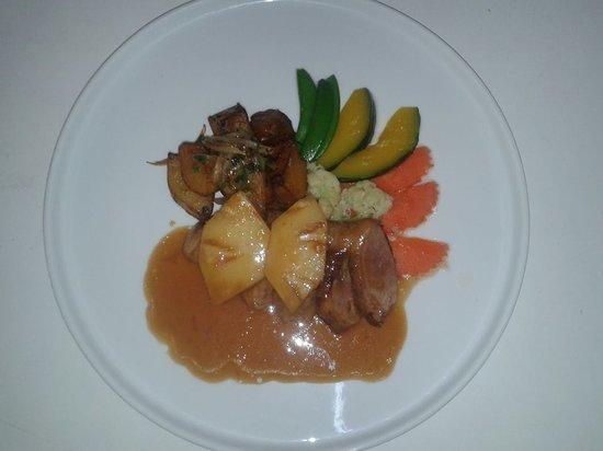 Mango Tree Restaurant: Roast Duck with Orange Sauce