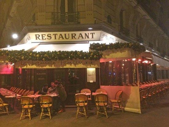 Le Square Trousseau: la terrasse ... la nuit