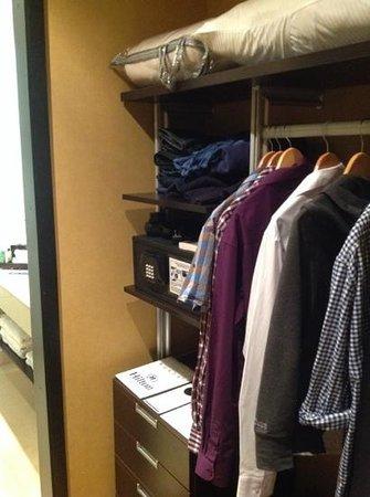 Hilton Bogota: Garde-robe