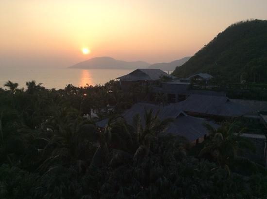 Mandarin Oriental, Sanya: ホテルからの夕暮れ