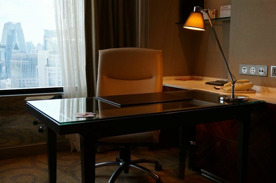 InterContinental Bangkok: work station
