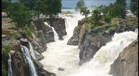 Hogenakkal Falls: hogenekkal after monsoon