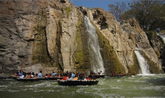 Hogenakkal Falls: coracle ride during summer