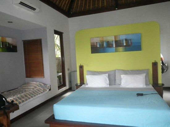 Amarta Beach Cottages: Quarto