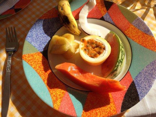 Tannette's Villa : Zum Frühstück ein Obstteller