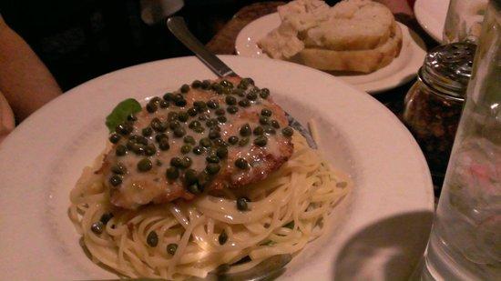 Paesano's Riverwalk: chicken delicious