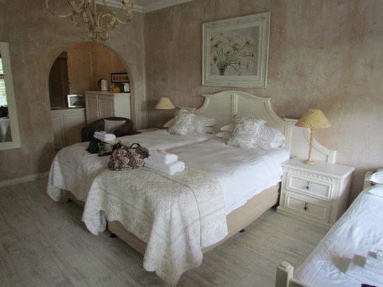 Petite Provence B&B: Bed