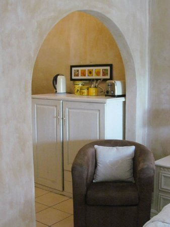 Petite Provence B&B: Kitchenette in Room