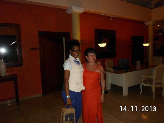 Iberostar Dominicana Hotel: Con la gupa Melissa Foi la jefa de relaciones publicas!