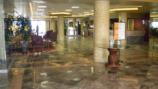 Daytona Beach Resort and Conference Center: love their lobby