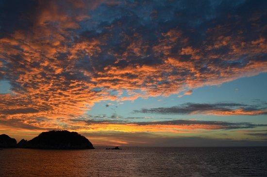 Emporio Acapulco Hotel: Sunset