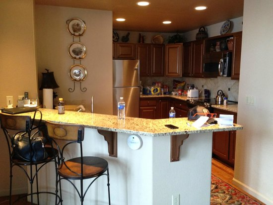 Arrowhead Village Condominiums: Kitchen