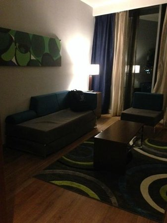 Novotel Panama City: Living room of the jr suite