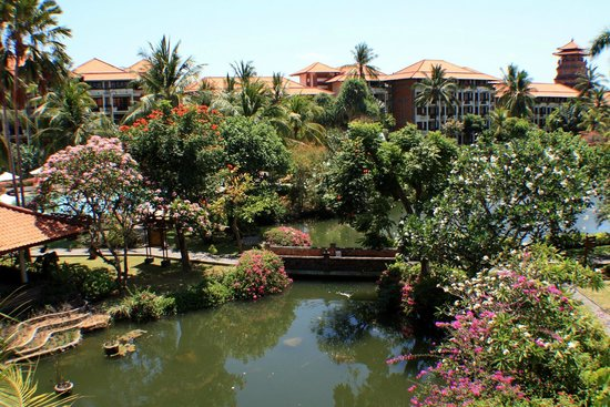 Ayodya Resort Bali: laghetto centrale