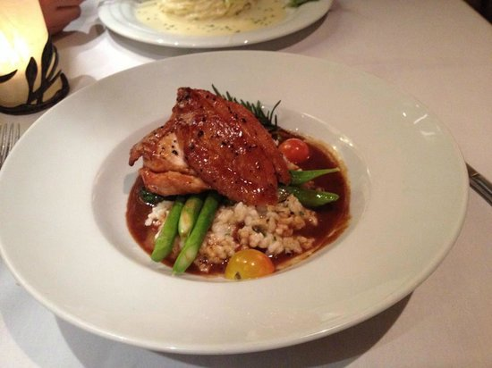 The Evergreen Restaurant and Lounge : Yummy chicken & risotto