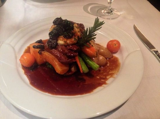 The Evergreen Restaurant and Lounge: Delicious Elk!