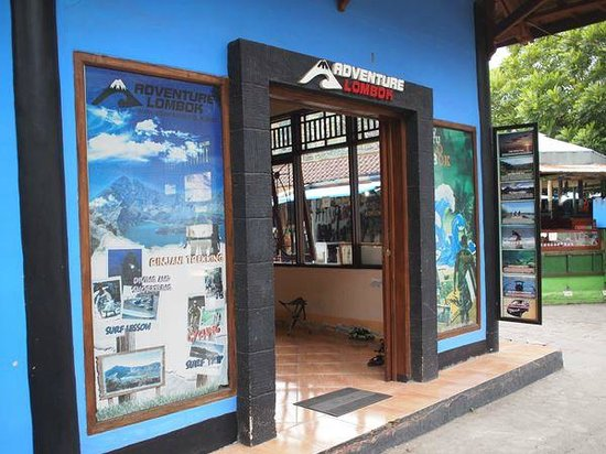 Adventure lombok tour office at art market