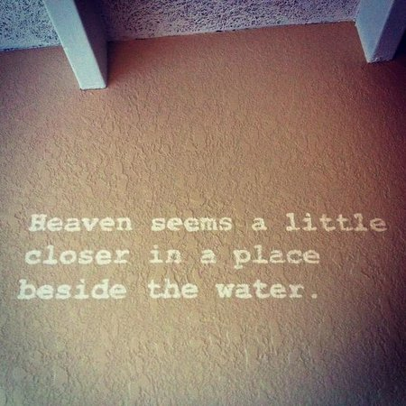Postcard Inn Beach Resort & Marina: Love this quote on the wall in the room