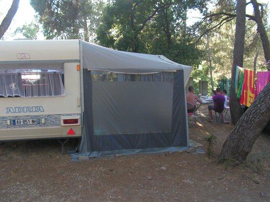 Piscine de nuit picture of camping l 39 artaudois le for Camping le lavandou avec piscine