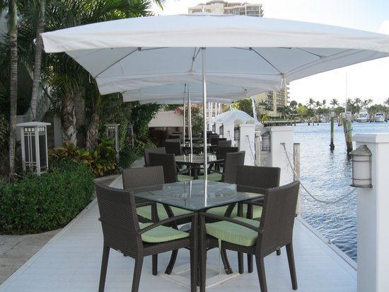 The Pillars Hotel Fort Lauderdale : Dock dining