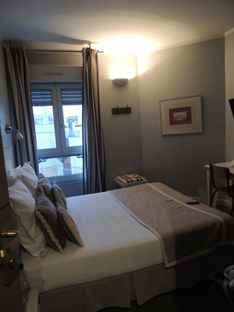 Hotel De La Paix Montparnasse : room 47