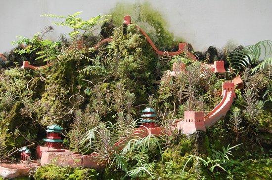 Vinh Hung 2 City Hotel : Miniature Great Wall of China