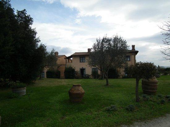 Il Poggio : Outside view of buildings