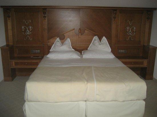 Hotel Quelle Nature Spa Resort: La camera matrimoniale