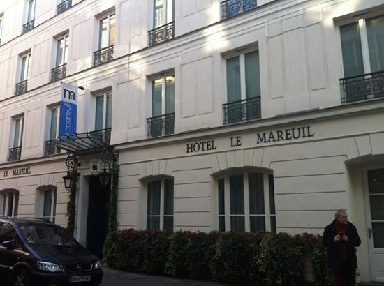 Le Mareuil : rue de malte, hotel