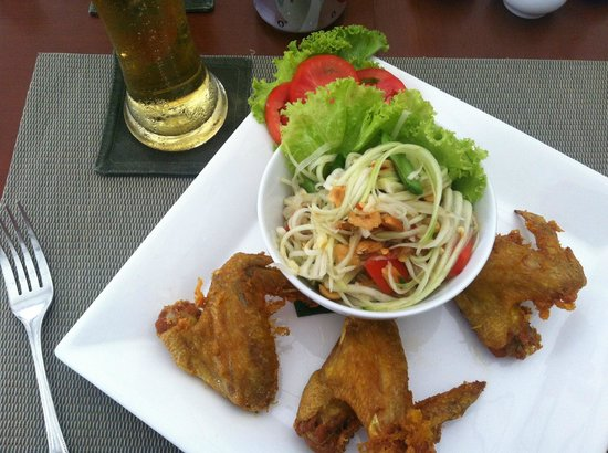 Salathai Resort: Yum Yum!!! Somtum!!!