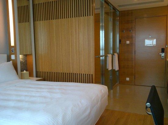 Hotel Jen Hong Kong : Room