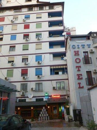 City Hotel Tirana: Hotel von außen