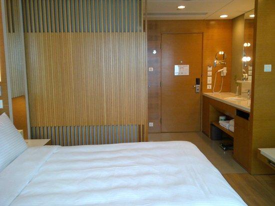 Hotel Jen Hong Kong: Room