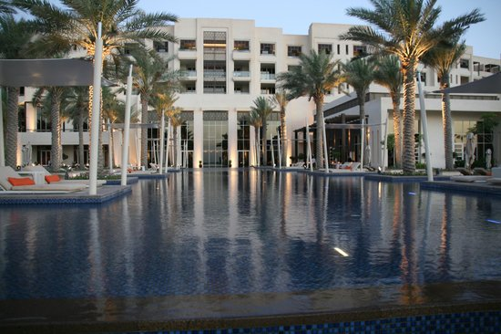 Park Hyatt Abu Dhabi Hotel & Villas: One of the impressive pools