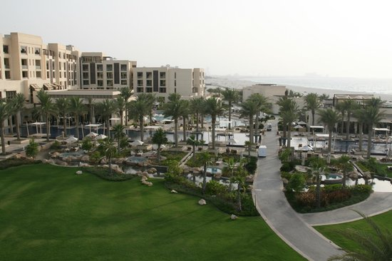 Park Hyatt Abu Dhabi Hotel & Villas: View of the hotels grounds