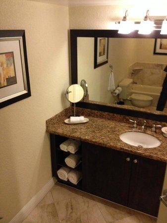 Bonaventure Resort & Spa : Bathroom Sink