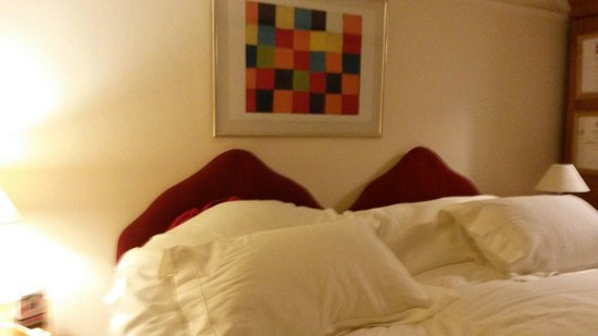 Border Cottage: Il lettone della camera.
