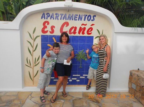 Apartments Es Cane: Happy times.