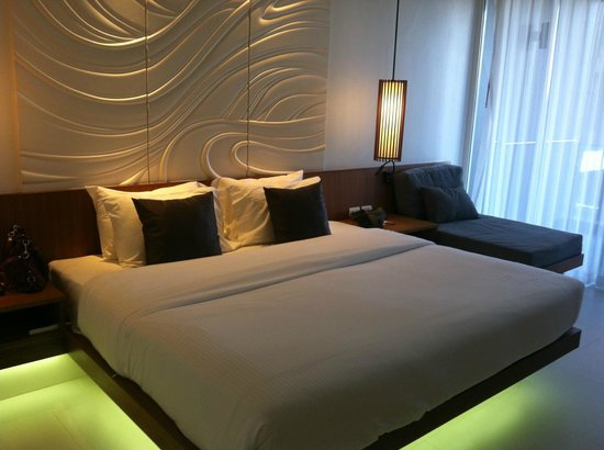G Hua Hin Resort & Mall : Massive bed!!!