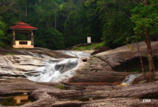 Geopark Hotel: Telaga Tujuh waterfalls