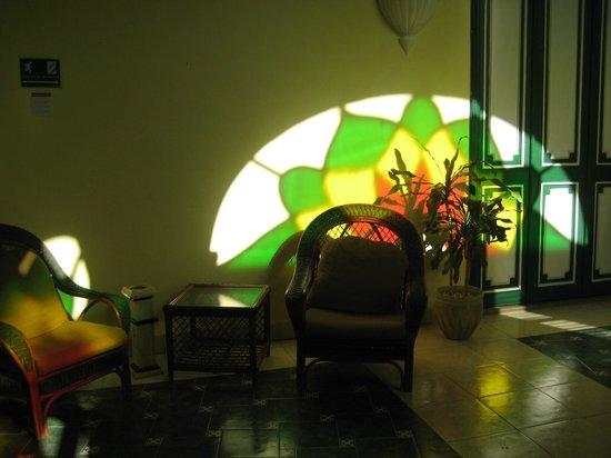 Hotel Conde de Villanueva: Inner Corridor