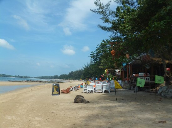 khlong dao beach view to the north