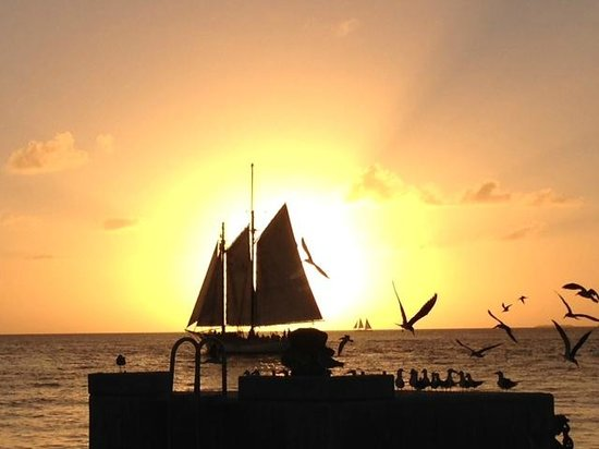 Schooner Appledore : Key West Sunset and the Appledore II
