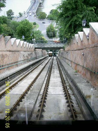 Buda Hill Funicular : View from front of car, descending